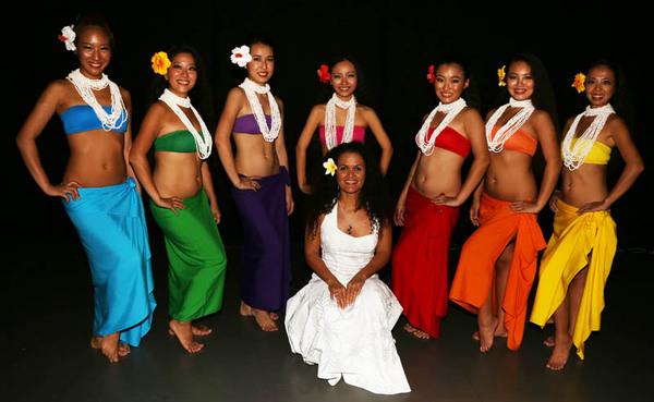 Dancers tu'e popo with Sabrina 1.jpg